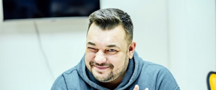 Музыкант Сергей Жуков собственным примером призывает москвичей участвовать в проекте «Наше дерево»