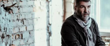 Премьера спектакля Евгения Гришковца «Между делом» 18,19,20 февраля в театре Пушкина