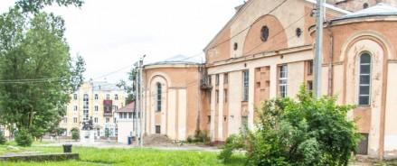 Сквер у кинотеатра «Октябрь» в Смоленске приобретет современный вид
