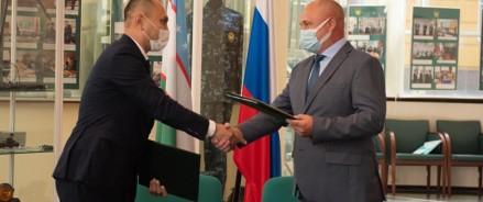 Федеральная таможенная служба передала коллегам из Республики Узбекистан культурные ценности XIII-XIX вв.