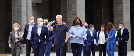Сергей Собянин осмотрел школу №547 «Логика» в Новой Москве