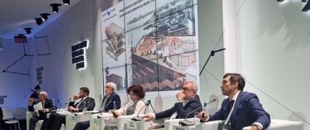 Григорий Ваулин рассказал на Мосурбанфоруме, что мешает решить проблему парковки в Москве
