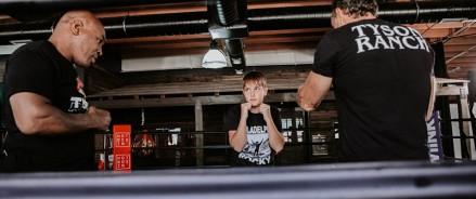 Майк Тайсон провел Добромиру Машукову серию мастер-классов по боксу для нового секретного проекта