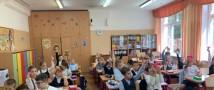 Общественники научили московских школьников создавать светоотражающие фликеры