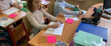 Более двухсот юных москвичей приняли участие в конкурсе детского рисунка ко Дню города