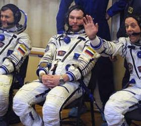 Продлен срок пребывания экипажа МКС