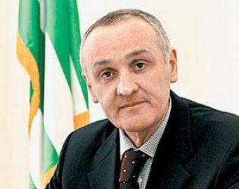 Выборы в Абхазии завершены- Александр Анкваб победил с перевесом в 54,86% и готовится стать президентом республики