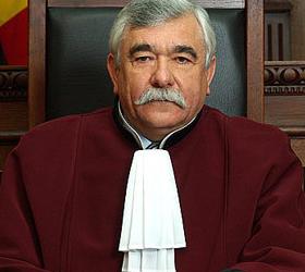 Призыв к роспуску парламента послужил причиной увольнения главы Конституционного Суда Молдавии