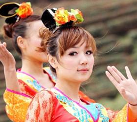 В Китае девственницы ходят в парк бесплатно.