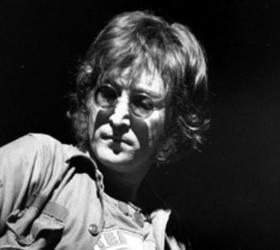 Опубликуют неизданные письма Леннона, которых насчитывается более двух сотен.