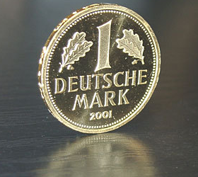 Немцы хотят возвращения марки