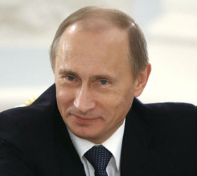 Глава Российского правительства Владимир Путин обещал гранты театрам и театральным вузам.