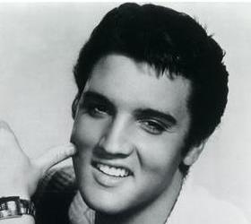 Лиза Йохансен «настоящая дочь» Элвиса Пресли подала в суд на семью музыканта.