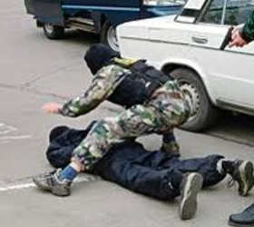 Погоню со стрельбой устроили по ночной Москве.