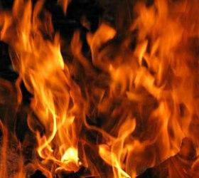 Автобус везший детей сгорел дотла