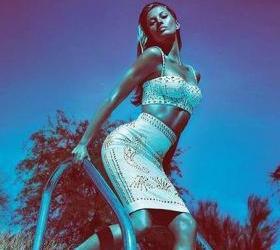 Лицо Versace 2012 — Жизель Бундхен