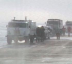 На трассе Волгоград-Саратов началось движение автотранспорта.