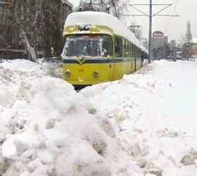 Российские поезда застряли в болгарских сугробах.