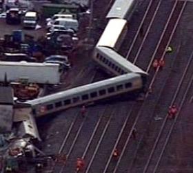 В Канаде пассажирский поезд сошёл с рельсов, есть жертвы