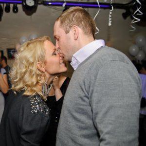 Беременная Катя Гордон в очередной раз обвинила мужа в избиении