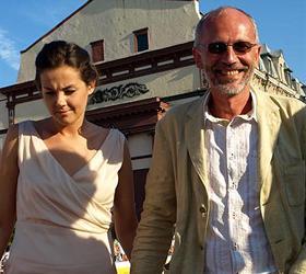 Александр Гордон тайно женился на 18-летней студентке