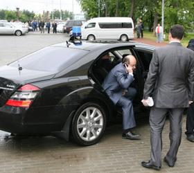 Губернатор Мешарин отказался от кортежа и мигалки