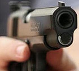 Неизвестный расстрелял двух человек прямо в центре столицы