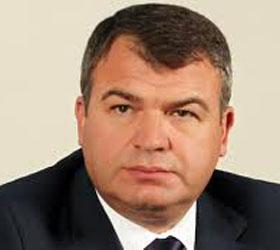 Министр Сердюков устал и уходит