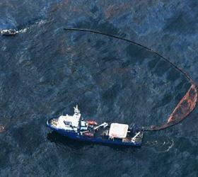 Японские океанологи пробурили дно самую глубокую подводную скважину в мире