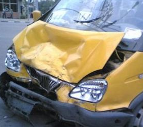 В Волгоградской области маршрутка врезалась в полицейские автомобили