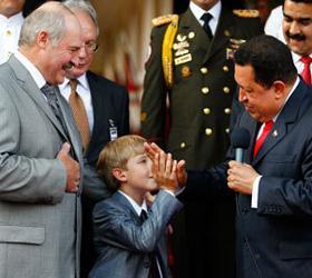 Лукашенко назвал в Каракасе имя своего преемника