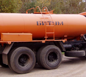 В Омской области произошла авария с участием битумовоза