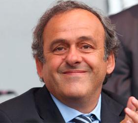 Президент УЕФА доволен работой арбитров на Евро-2012