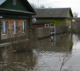 В Забайкалье сильнейшим ливнем разрушена подпорная стена школы