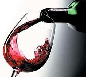 Алкоголь помогает пожилым женщинам укреплять кости