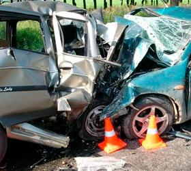 В Центре столицы столкнулись два автомобиля: три человека пострадали