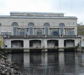 Из-за прорыва дамбы в Карелии подтоплена Маткожненская ГЭС