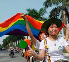 Во Вьетнаме прошел первый в истории стране гей-парад
