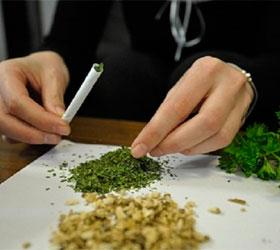 Из-за употребления марихуаны в подростковом возрасте можно поглупеть