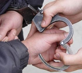 Московский учитель железной трубой избил женщину и отнял у нее 600 тысяч рублей