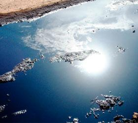 В Находке во время погрузки на танкер нефтепродуктов произошел разлив