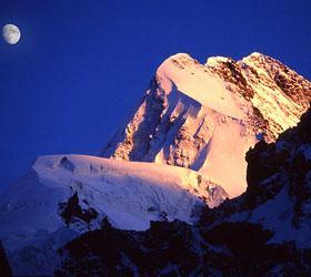 Погиб русский альпинист на горе Ушба