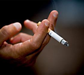 Министерство здравоохранение решило запретить курение в общественных местах