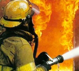 В результате пожара на северо-западе столицы сгорело 4 автомашины