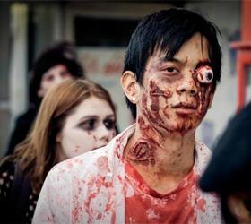 Зомби перепугали жителей Нью-Йорка