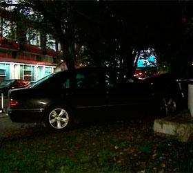 В результате столкновения двух автомобилей погибла женщина-пешеход