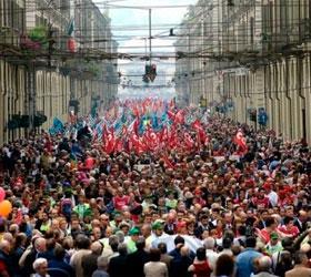 """""""Марш миллионов"""" будут охранять около семи тысяч силовиков"""