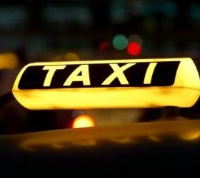Пьяный мужчина, не желая платить за такси, покусал полицейских