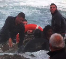 У берегов Турции затонул корабль с нелегальными мигрантами