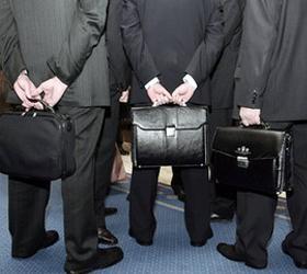 Чиновники смогут занимать должность до семидесяти лет
